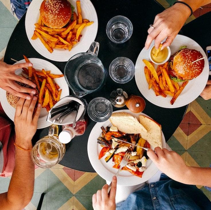 المقاهي والوجبات السريعة