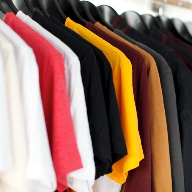 متاجر الملابس
